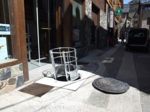 escalera de mano metalica en Benasque