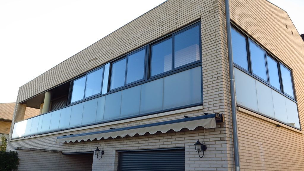 Cerramiento de galer as talleres usieto - Cerramientos de balcones ...