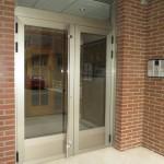 nueva puerta de aluminio imitación INOX