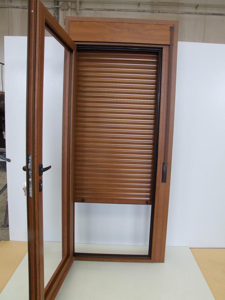 Octubre 2015 talleres usieto for Ventanas con persianas incorporadas