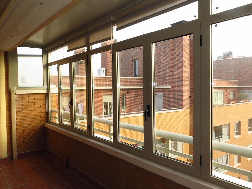 Cerramiento de terraza ventanales cubierta y canal for Cerramiento aluminio terraza