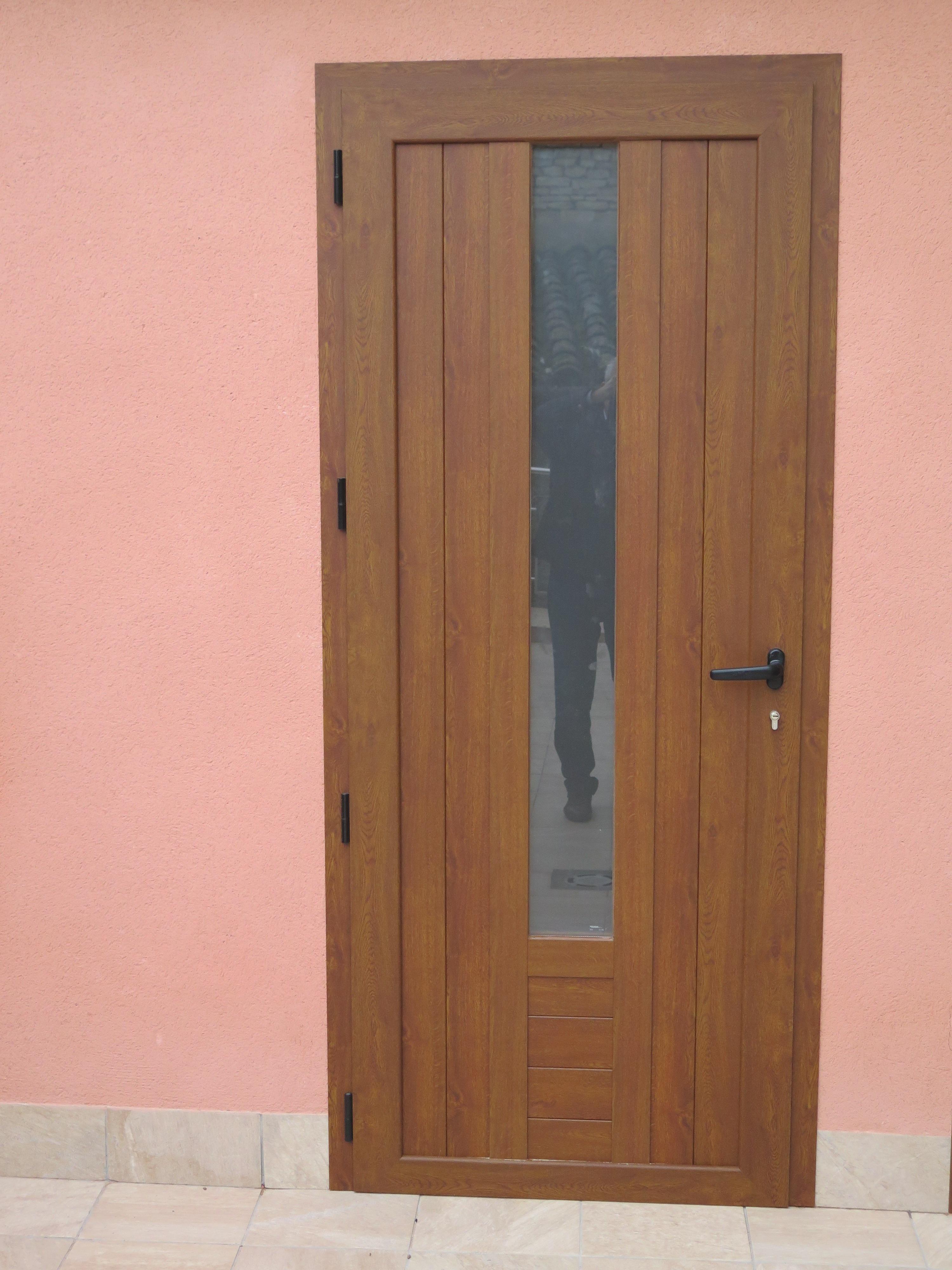 Puertas de aluminio color madera simple puertas - Puerta balconera aluminio ...