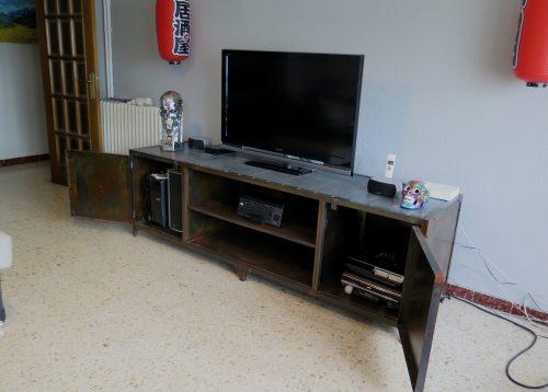 Mueble de televisi n de hierro estilo industrial for Mueble television industrial